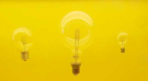 żarówka energia energetyka fot. Pixabay