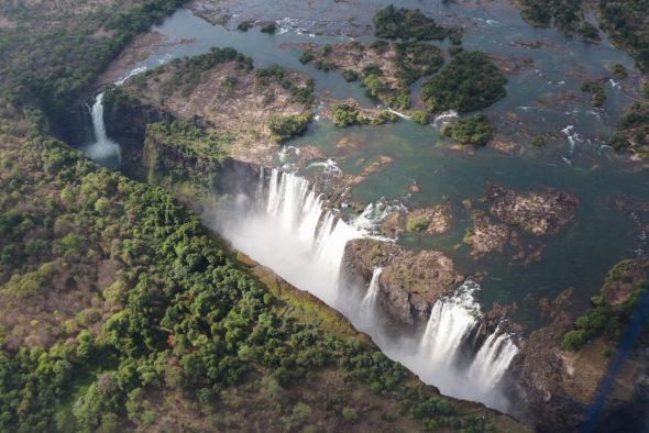 Wodospady Wiktorii w Zimbabwe. Źródło: Wikicommons