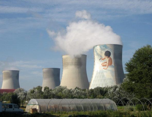 Elektrownia jądrowa Cruas. Źródło: Flickr