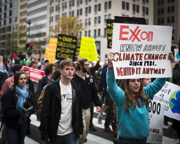 """""""Exxon wiedział o zmianach klimatu od 1981, a i tak im zaprzeczał"""". Źródło Flickr"""