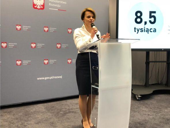 Minister rozwoju Jadwiga Emilewicz podczas konferencji prasowej. fot.Bartłomiej Sawicki/BiznesAlert.pl