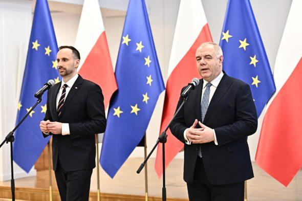 Wiceminister AP Janusz Kowalski oraz minister AP Jacek Sasin fot. MAP