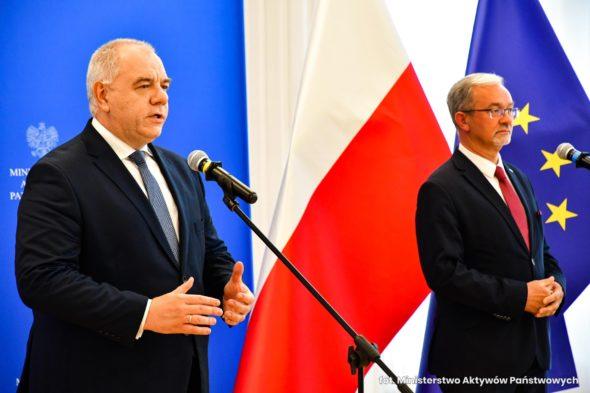 Jacek Sasin i Jerzy Kwieciński na konferencji prasowej. Fot. MAP