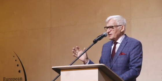 Jerzy Buzek na EKG 2020. Fot. BiznesAlert.plJerzy Buzek na EKG 2020. Fot. BiznesAlert.pl