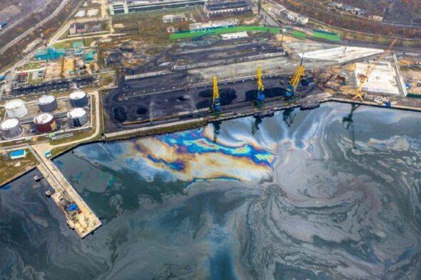 Zanieczyszczony port Nachodka fot.Rozprironadzor