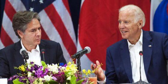 Antony Blinken i Joe Biden. Fot. YAFBiden
