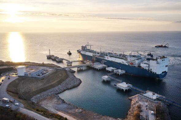 Terminal Hrvatska. Pływający terminal LNG. Fot.: Komisja Europejska