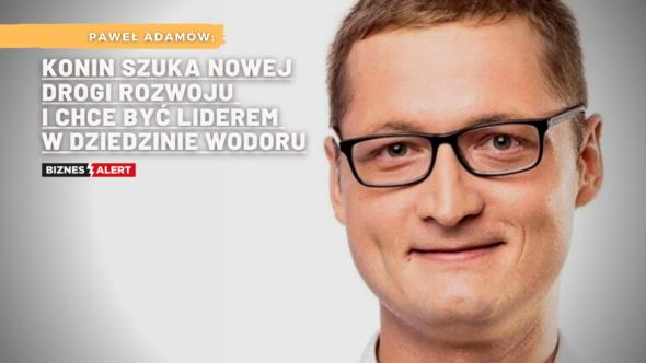 Fot. Facebook/Paweł Adamów. Grafika: Gabriela Cydejko.