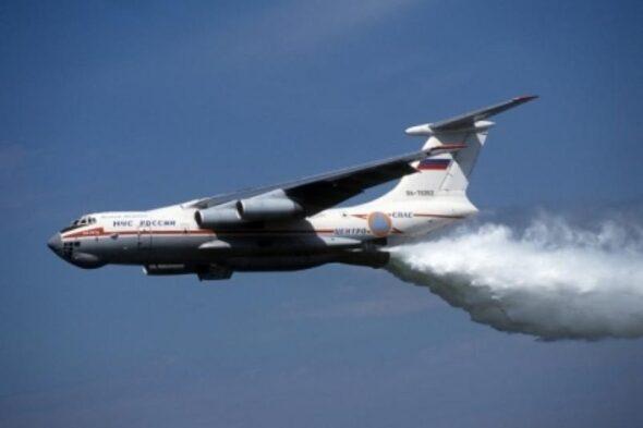 Ił-76 MCzS podczas gaszenia pożarów fot. MCzS Rosji