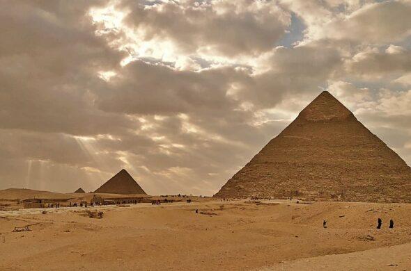 Piramidy w Egipcie. Źródło: Pxfuel