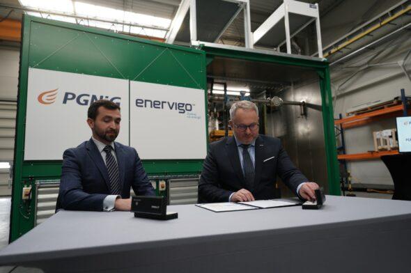 Podpisanie umowy fot PGNiG Obrót Detaliczny