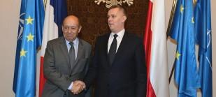 Ministrowie ON Francji (L) i Polski (P).