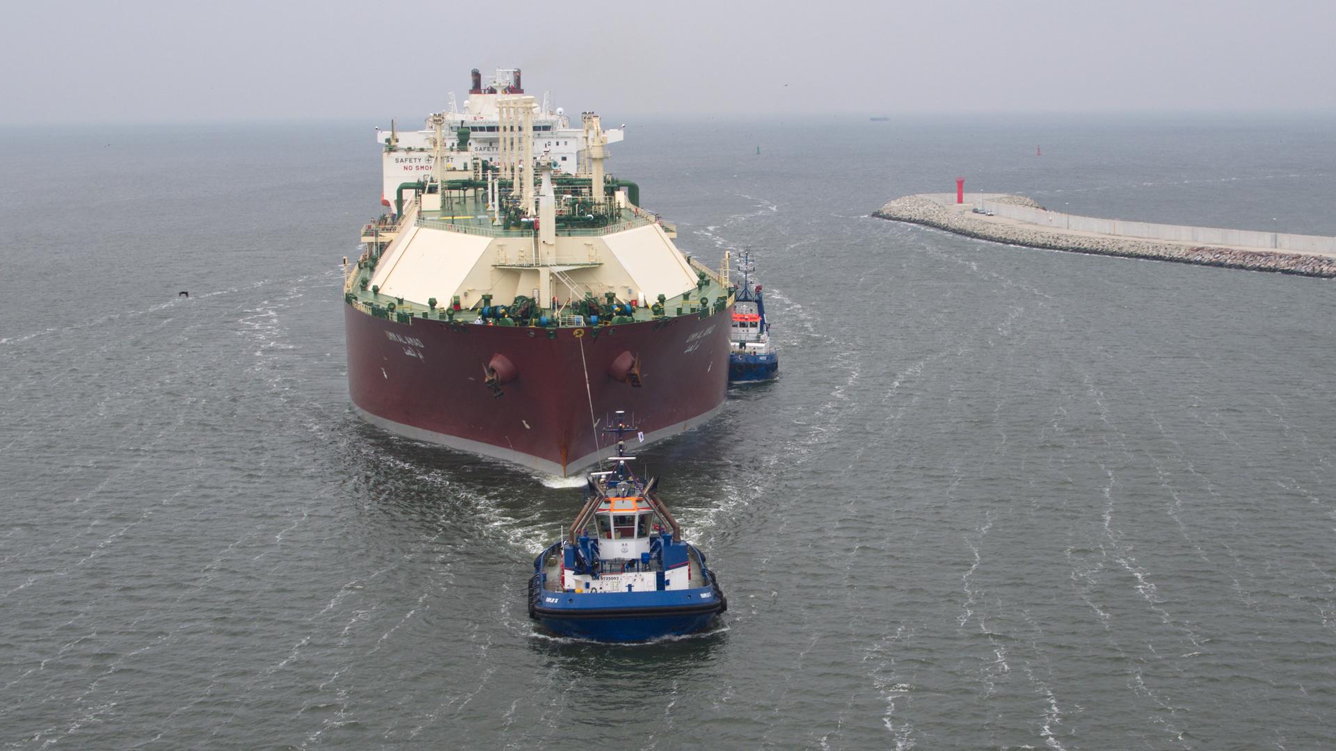 Wyspowe stacje regazyfikacji LNG