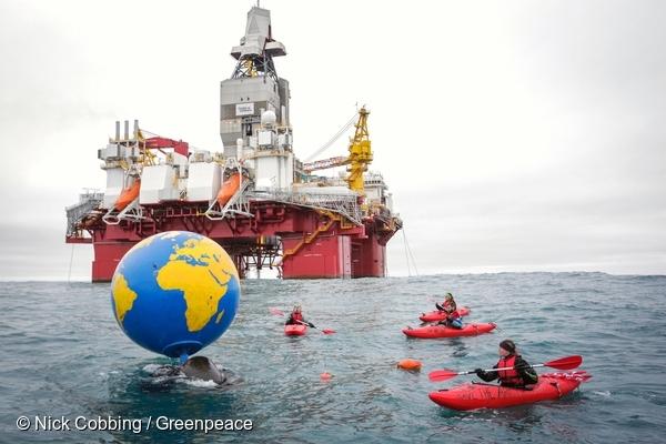 Greenpeace na platformie wiertniczej w Norwegii