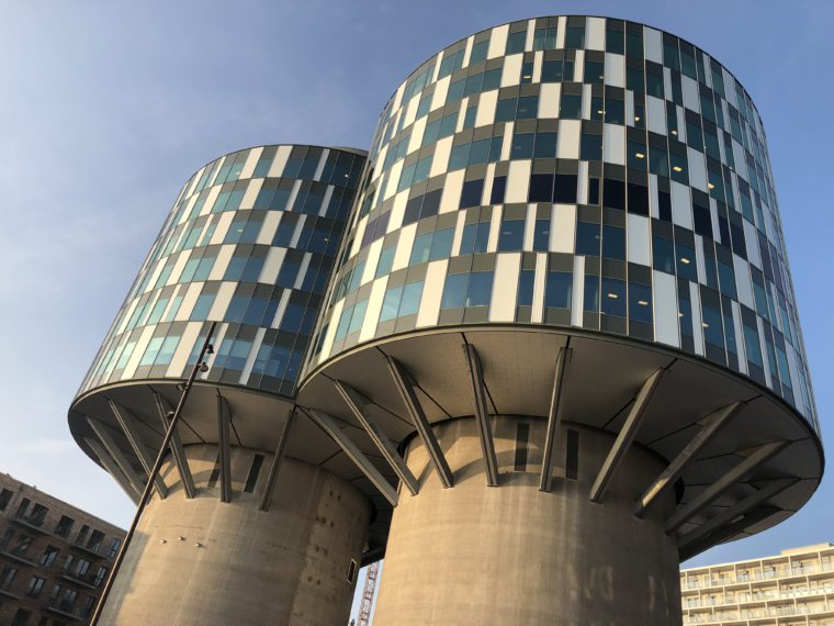 Futurystyczny budynek w porcie Nordhavn. Biura mają tam Duński Urząd Patentowy oraz niemiecka ambasada w Danii. Fot. BiznesAlert.pl