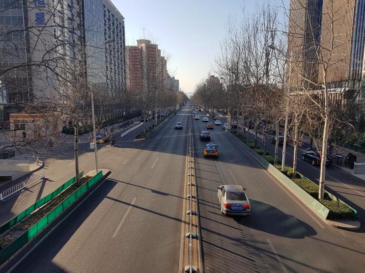 Ścieżki rowerowe po obu stronach ulicy