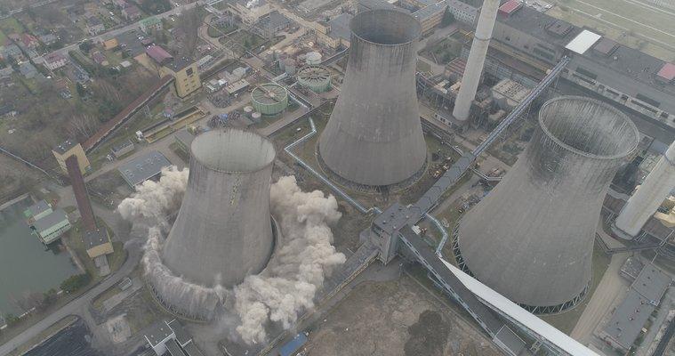 Wyburzanie chłodni kominowej w Elektrowni Łagisza Fot. Tauron