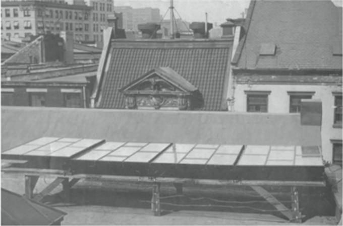 Panel fotowoltaiczny Charlesa Frittsa, Nowy Jork 1884. Źródło: Wikipedia