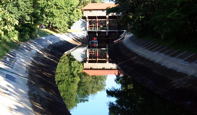 Elektrownia wodna Żur. Fot. Wikimedia Commons