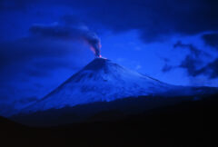 Erupcja wulkanu na Kamczatce. Źródło Wikicommons