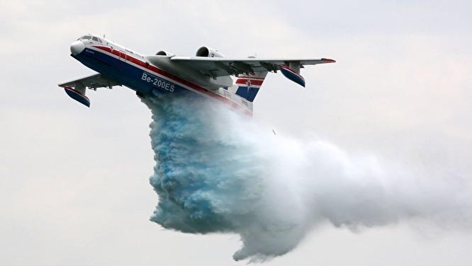 Samolot Amfibia Be-200 fot. MCzS Rosji